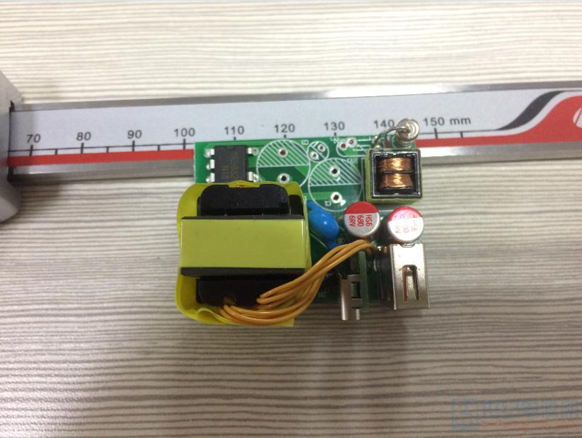 diy一个低成本a c口 20w快充充电器,5v/4a目标效率90%